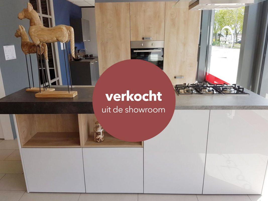 Design Keuken Greeploos : Greeploos lak eiland keuken verkocht! enka keukens